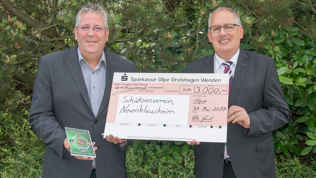 3.000 Euro für Brauchtumspflege in  Neuenkleusheim