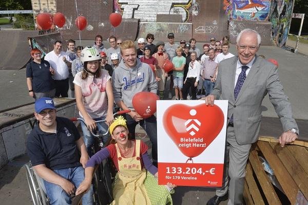 Bielefeld zeigt Herz: Über 130.000 Euro für Vereine