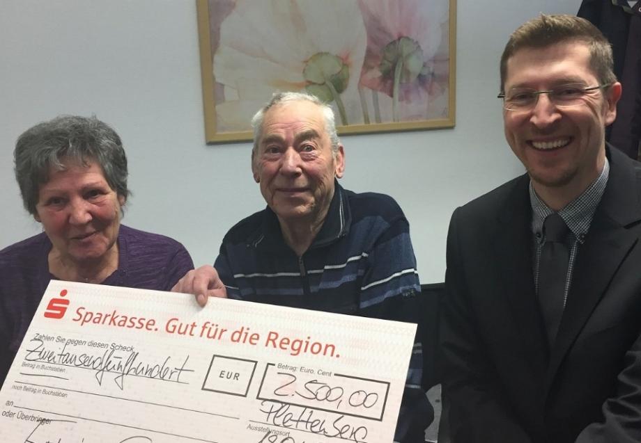 Kunde aus Ohle gewinnt 2.500 Euro