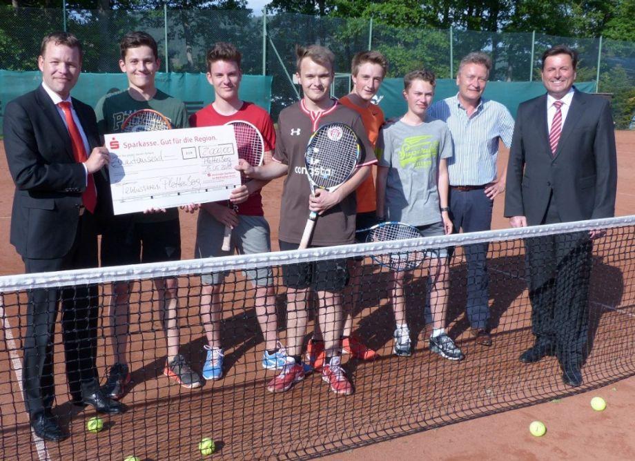 2.000 Euro für junge Tennis-Talente