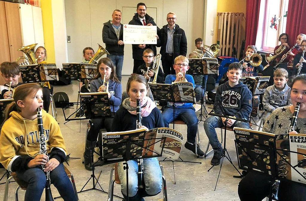Da ist Musik drin: Spende für Schulprojekt