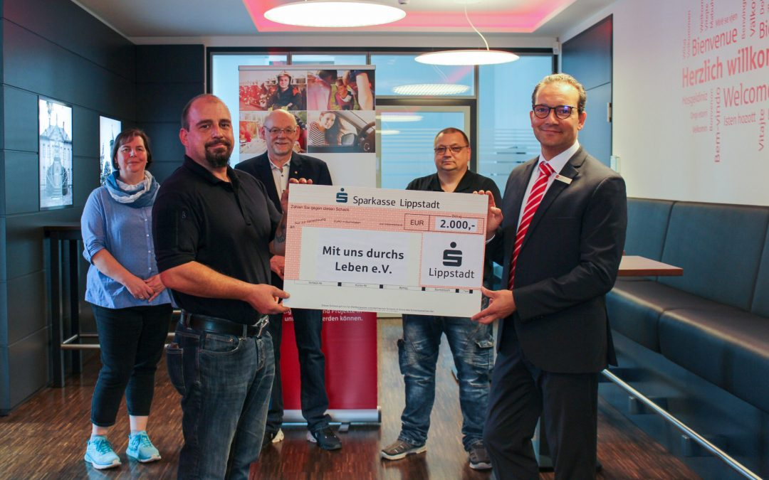 Sparkasse Lippstadt: 2.000 Euro für nachbarschaftliche Hilfe